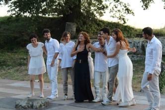 10.07.2016 Tuscolo  Alessio Neri con gli attori del Laboratorio Mercuzio (foto Mercuzio's Theatre)