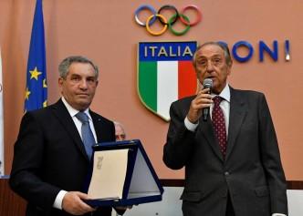 20 novembre 2016  Assemblea elettiva FIS Il prof. Avv. Emmanuele F.M. Emanuele con Giorgio Scarso (foto Bizzi per Federscherma)