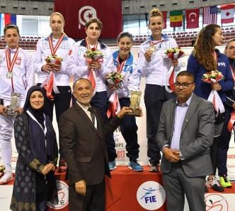 Tunisi 14.05.2017 La squadra premiata (foto Bizzi per FIE)